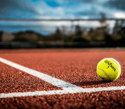 ¿Qué tipos de pistas de tenis existen?