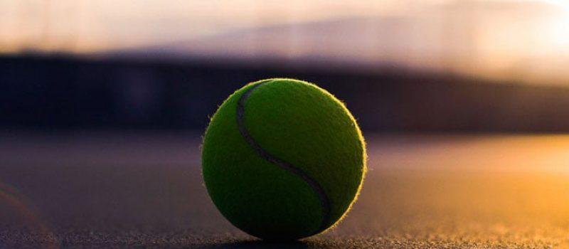 ¿Porque las pelotas de tenis son amarillas?