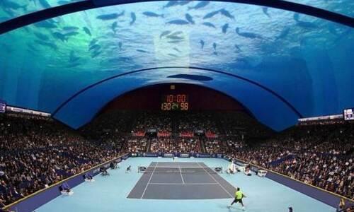 pista de tenis bajo el agua