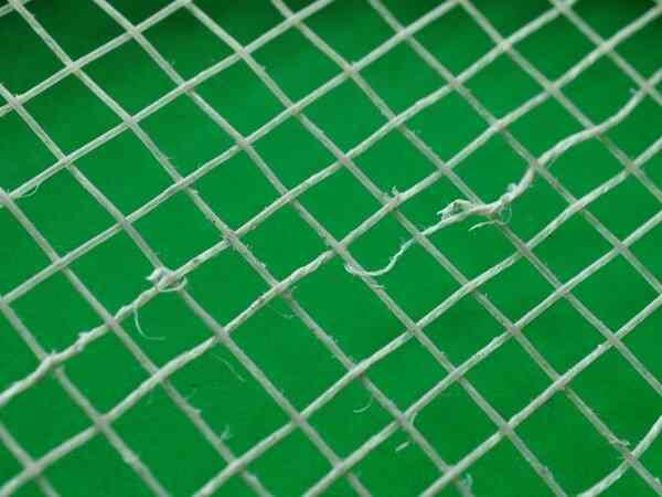 tennis string broken