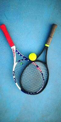 two parts of tennis rackets